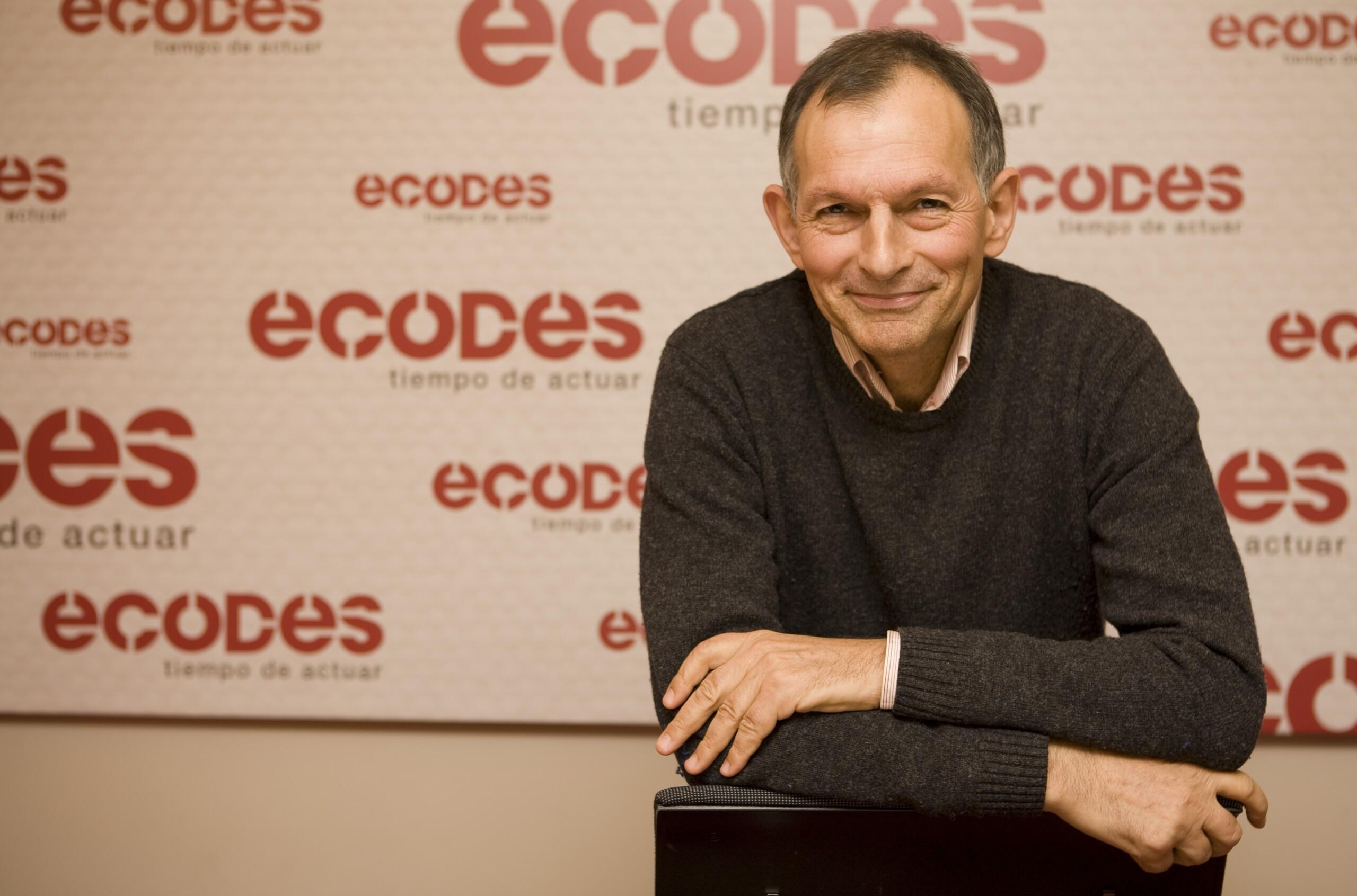Víctor Viñuales Sociólogo, cofundador y Director de Fundación Ecología y Desarrollo (ECODES)